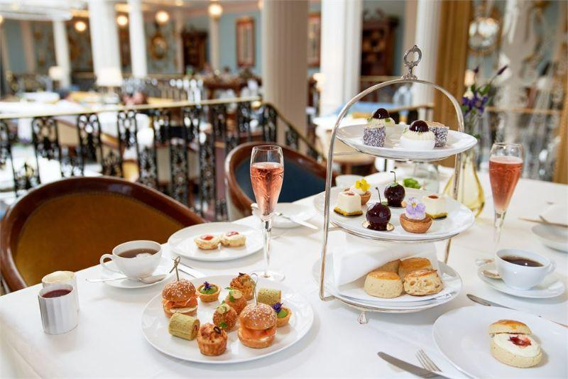 the-lanesborough-london-sweet-summer-afternoon-tea-2_04072019112717.jpg